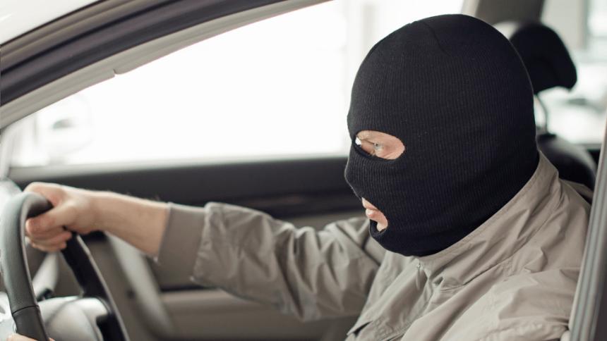 Halo policija, ukrali su mi auto u Kukuljevićevoj