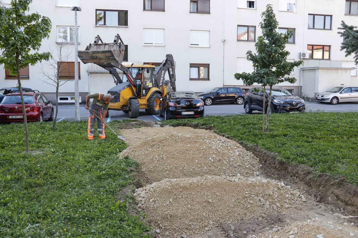 Adekvatno uređenje Adekvatno uređenje IVANEC Počeli radovi na uređenju pješačke veze Nazorova Šabanova ulica