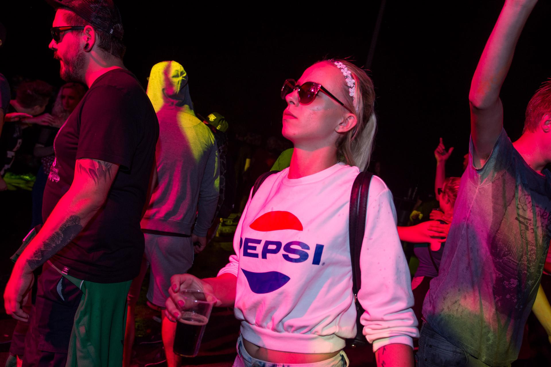 Xmusic Xmusic USKORO Otkačite se na cjelodnevnom partyju u Ivancu elektronička glazba, beer pong i pjena party!