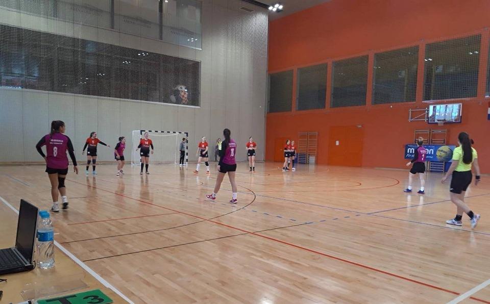 ŽENSKI RUKOMETNI KLUB KOKA Mladi sastav rukometašica ŽRK Koka s dvije pobjede startao u sezonu 22.10.2019 Sport